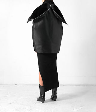 Women's Comet Leather Cape (Black) - product_image_alt_text_6