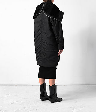Donne Loop Parka (Black) - product_image_alt_text_5