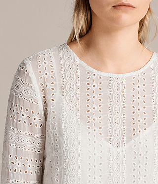 Mujer Dakota Top (Chalk White) - product_image_alt_text_2