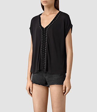 Mujer Aria Crop Tee (Black) - product_image_alt_text_3
