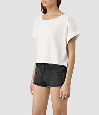 Mujer Tyler Cropped Tee (Chalk White) - product_image_alt_text_3