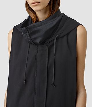 Femmes Artae Sleeveless Coat (Ink Blue) - product_image_alt_text_4