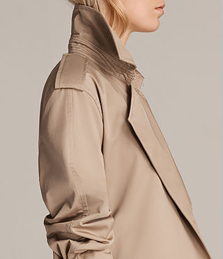 Femmes Trench Court Riley Mac (SAND BROWN) - product_image_alt_text_5