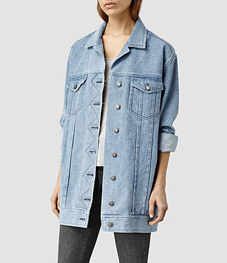 Womens Denim Trucker Coat (Light Blue)