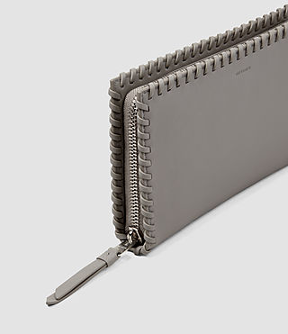 Mujer Fleur De Lis Continental Wallet (Mid Grey) - product_image_alt_text_4