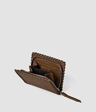 Mujer Fleur De Lis Small Wallet (Tan) - product_image_alt_text_3