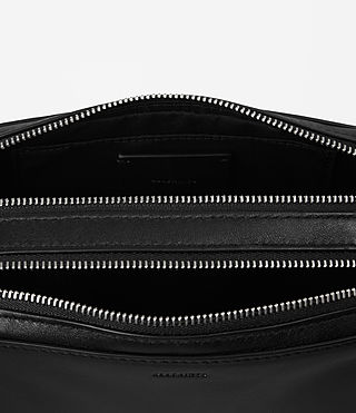 Women's Arc Leather Makeup Case (Black) - product_image_alt_text_3