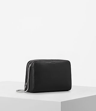 Damen Arc Leather Makeup Case (Black) - product_image_alt_text_4
