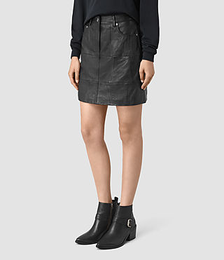 Femmes Routledge Leather Skirt (Black) - product_image_alt_text_3