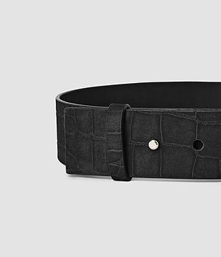 Femmes Mimosa Croc Leather Waist Belt (Black) - product_image_alt_text_4
