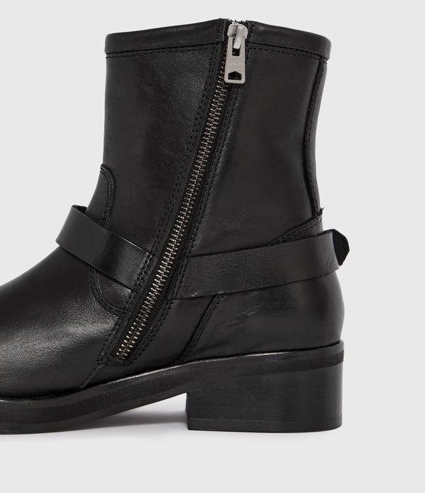 Roni Boot