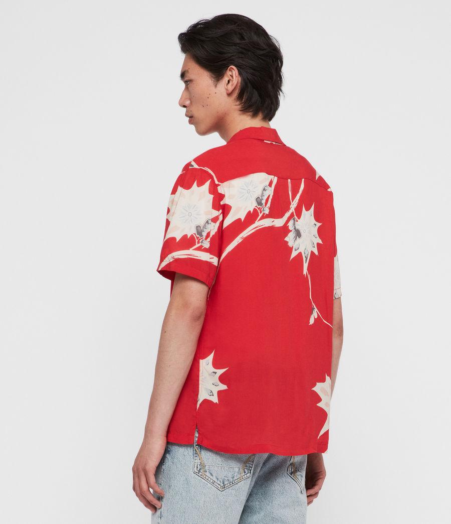 Hombres Camisa de Manga Corta Mokapu (tsuru_red) - Image 4