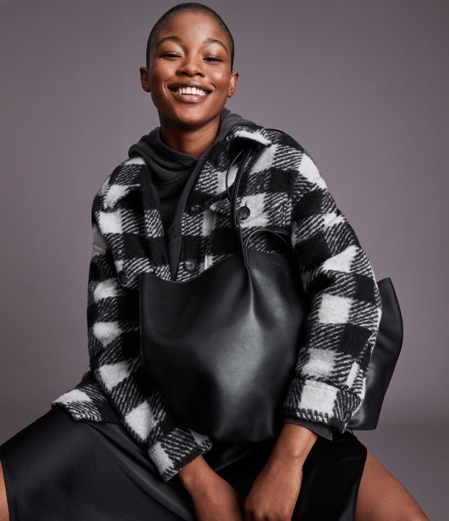 Women's Nadaline Leather East West Tote Bag (black) - Image 9