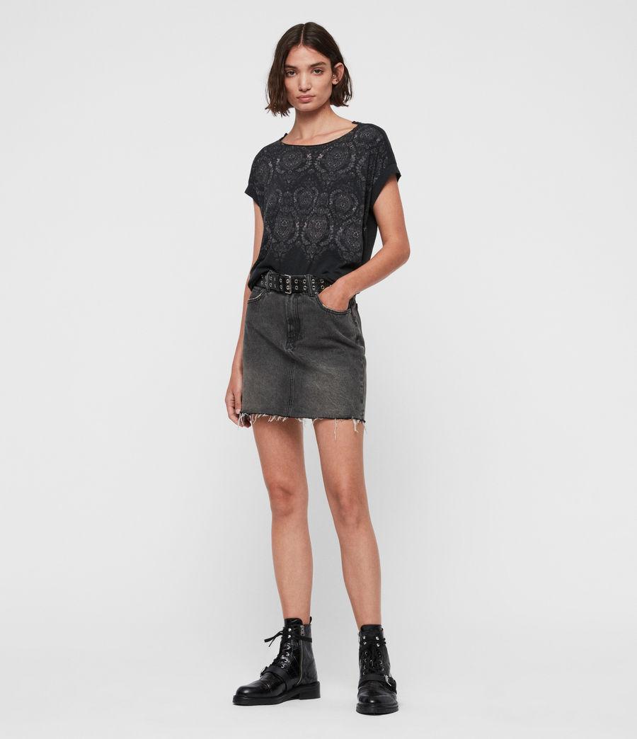 Women's Paisley Pina T-Shirt (fadeout_black) - Image 2