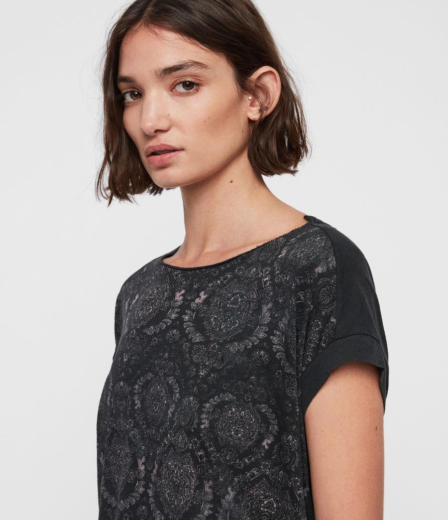 Women's Paisley Pina T-Shirt (fadeout_black) - Image 3