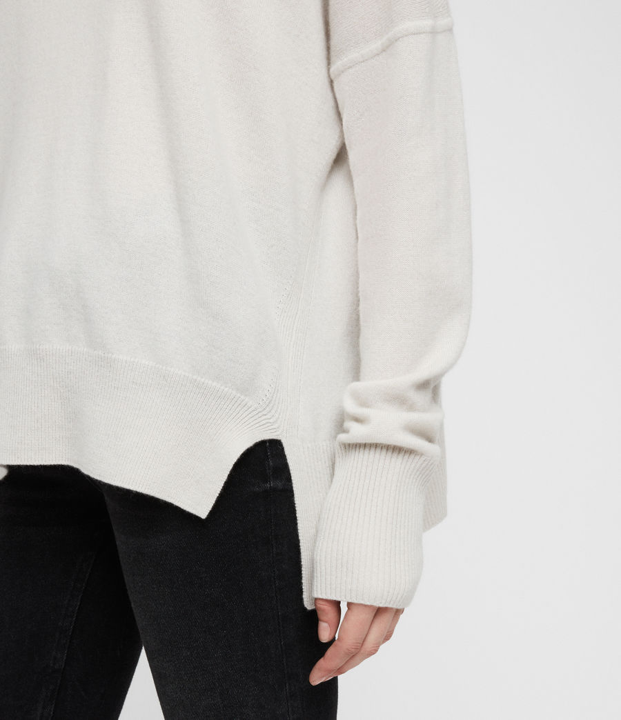 Women's Izzie Crew Neck Jumper (porcelain_white) - Image 2