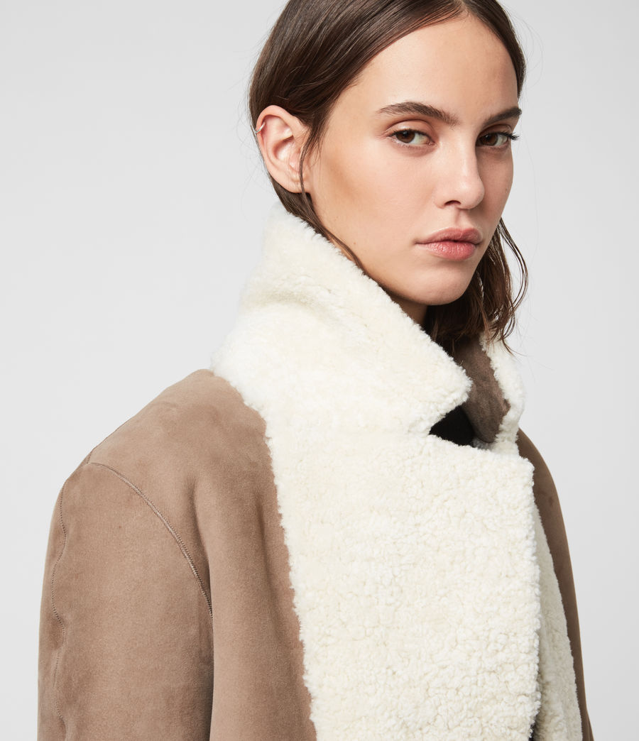Women's Tia Reversible Shearling Coat (chalk_white_taupe) - Image 6