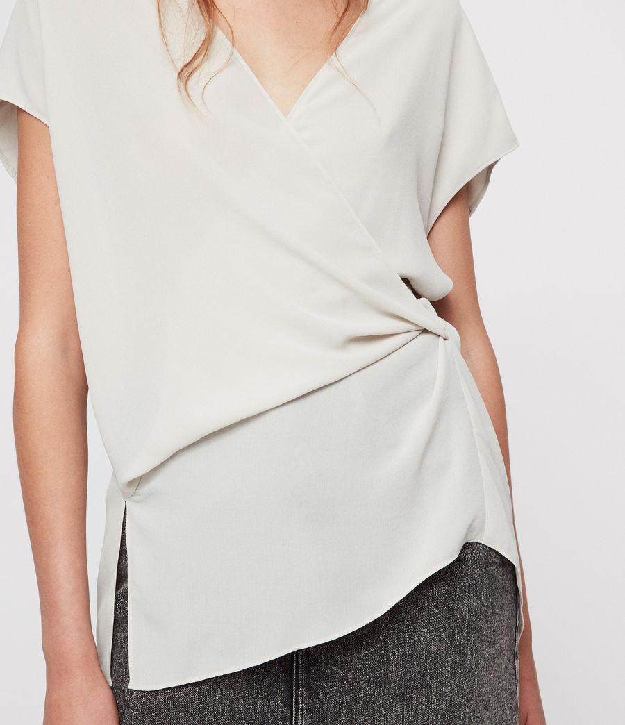 Donne Top Mia - A portafoglio con taglio asimmetrico (stone_white) - Image 2