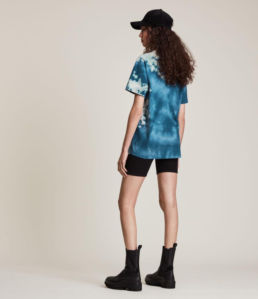 Damen Stamp Tie Dye Boyfriend T-Shirt (moonshadow_blue) - Image 5