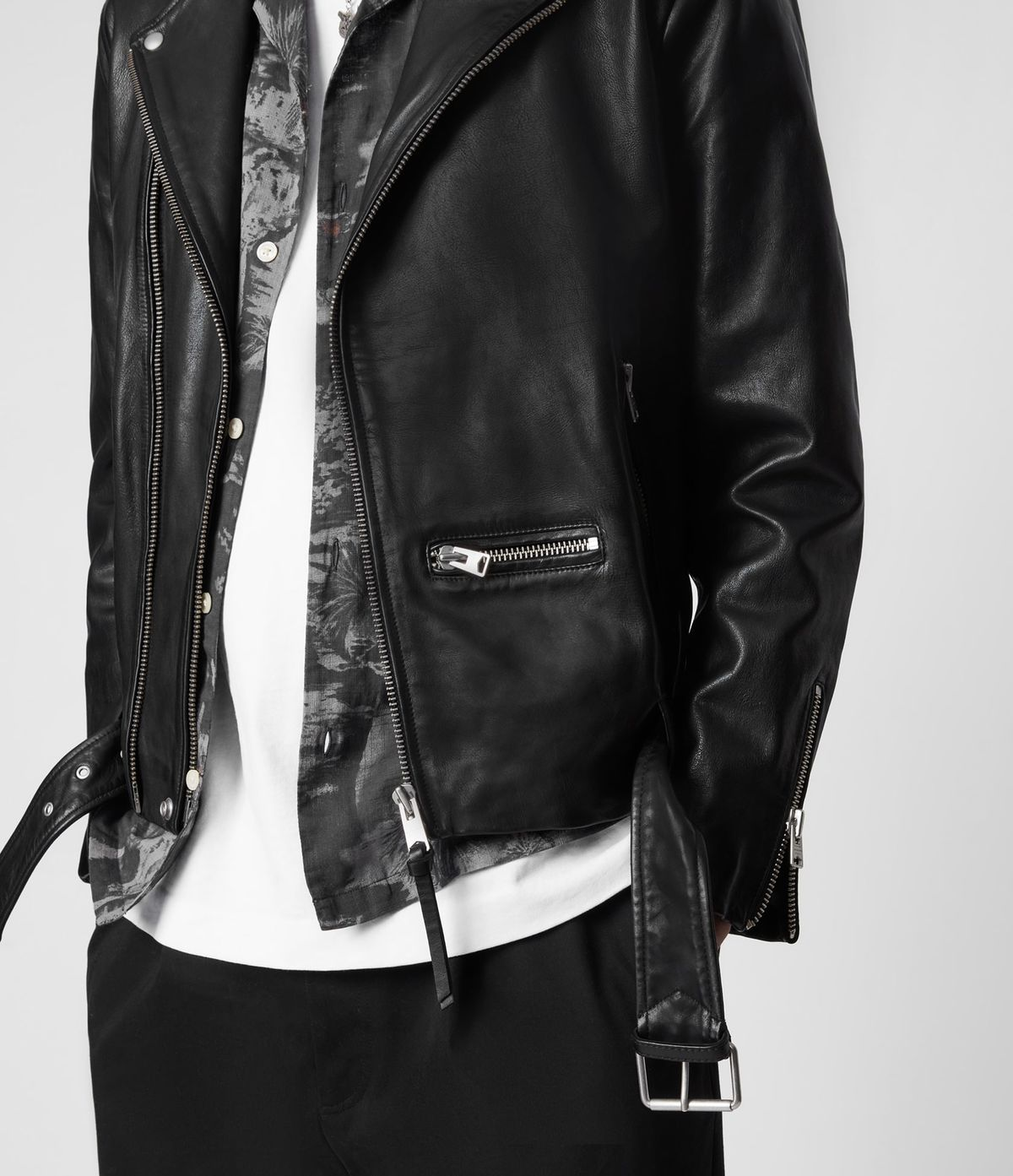 Men's Wick Leather Jacket - Zoomed In Front View