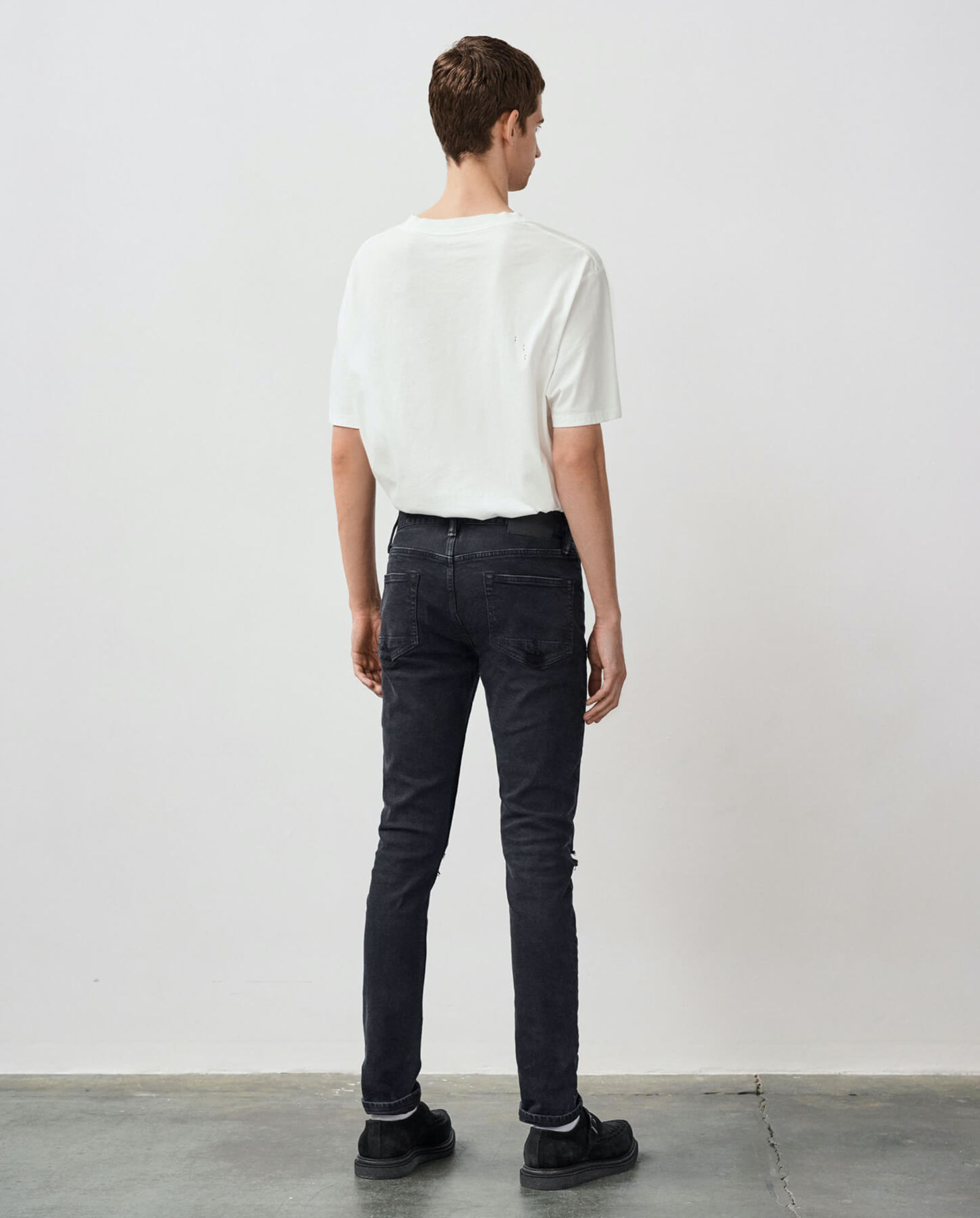 Discover our Cigarette jeans.
